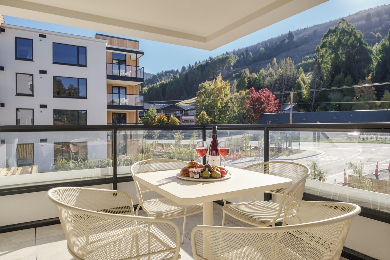 Coroshot - Apartment 13 @ Residence du Parc